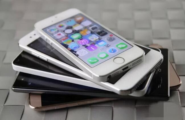 为什么真正懂行的人是不会买这两款iphone