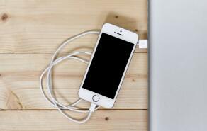 为什么苹果iphone的充电线不能乱买(重点)